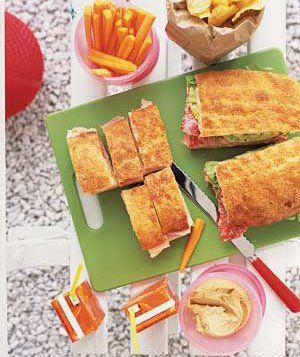 Easy Summer Picnic Ideas|Four fast, delicious meal plans for fireworks-watching, beach gatherings, or concerts in the park.: Beaches Picnics Recipes, Food Recipes, Summer Picnic, Juice Boxes, Sandwiches Recipes, Yinyang Sandwiches, Ideas Four, Yin Yang Sandwiches, Delicious Meals