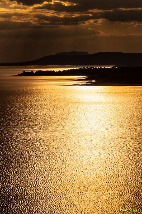 """golden bridge to Badacsony"""