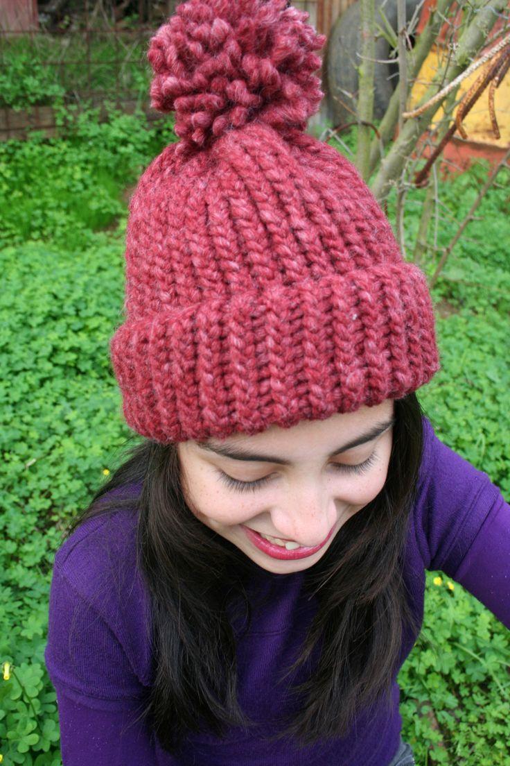 Gorrito tejido a telar en lana natural, abrigador, cómodo y muy bello!