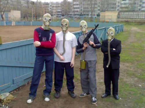 Russian guys founded a gas mask for maneuver #gasmask #russian #russianguys