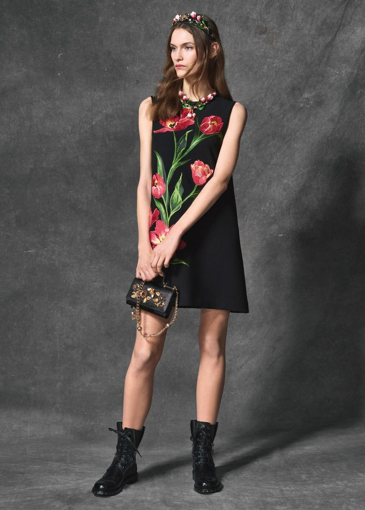 Discover the new Dolce & Gabbana Women's Tulips Print Collection for Fall Winter 2016 2017 and get inspired.