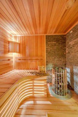 Интерьеры загородного дома из клееного бруса: Спа, бани, сауны в . Автор – Be In Art