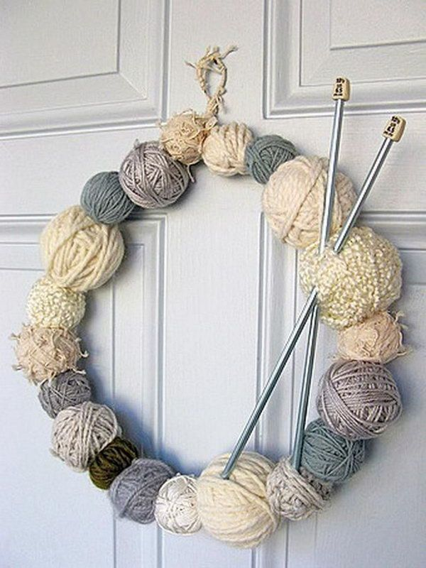 yarn wreath featuring wintry cream tones, Creative Wreath Ideas for Christmas, http://hative.com/creative-wreath-ideas-for-christmas/,