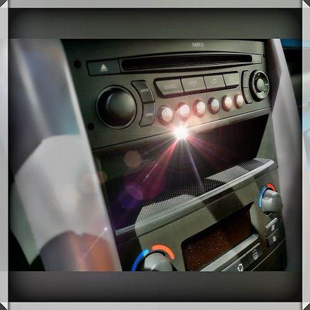 Was man über ein Autoradio wissen sollte! Daten und Fakten zu einem guten Autoradio und Wissenswertes zu Highend-Systemen hier im Autoblog. #autoradio #wissen #fakten #highend #carhifi