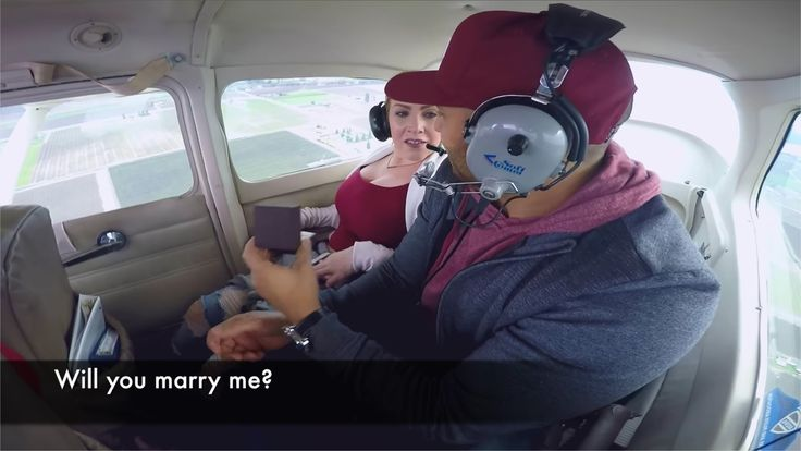 Vidéo. Sa demande en mariage dans un avion vire au cauchemar