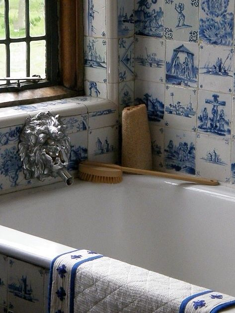 Incredible tiles and faucet