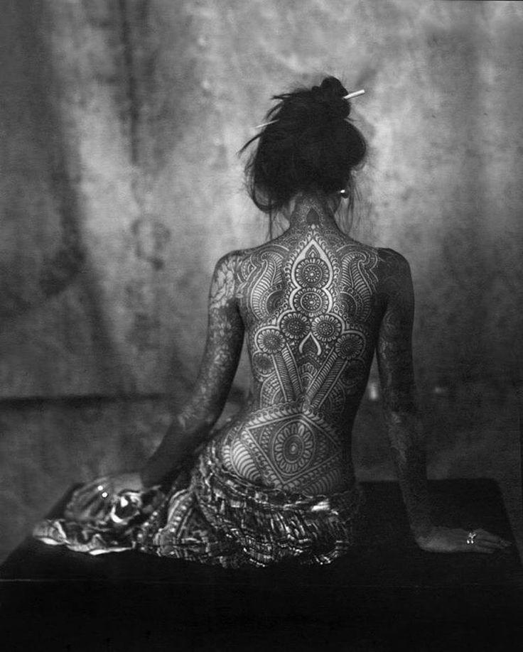 Par @helenenugnes 👘❤️📷 #chambrephotographique #filmisnotdead #tattoos … – Stephany Boivin