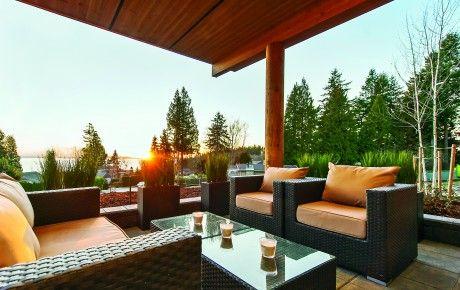 Spacious patios and balconies