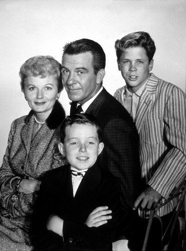 """Leave It To Beaver"" Barbara Billingsley,Hugh Beaumont,Jerry Mathers,Tony Dow 1957 CBS"