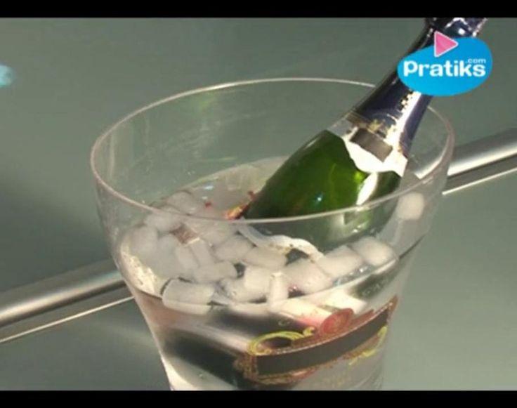 Comment rafraichir en 2 minutes une bouteille de champagne