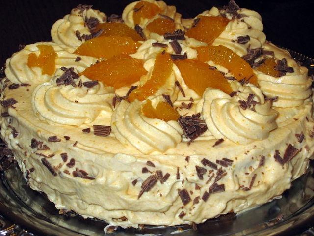 Tyrni-appelsiini täytekakku. Reseptin on tehnyt Kotikokki.netin nimimerkki Naija