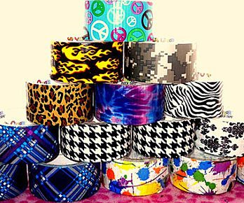 Video DIY Tutorial: How To Make A Duct Tape Wallet Clutch   Gurl.com