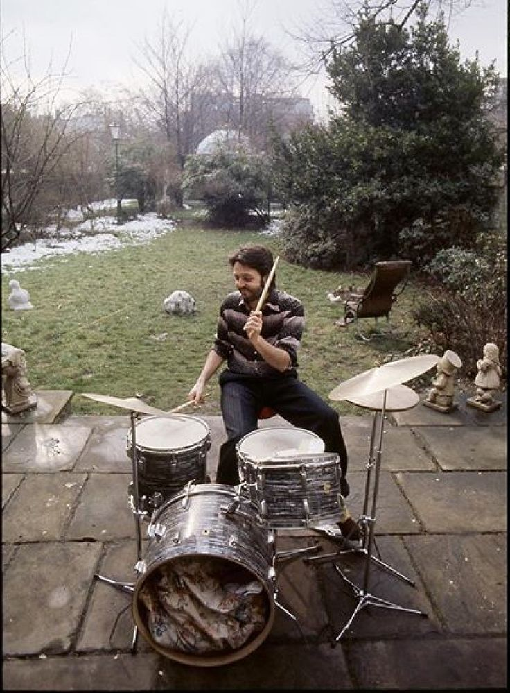 Paul in the backyard of Ringo's house                                                                                                                                                                                 More