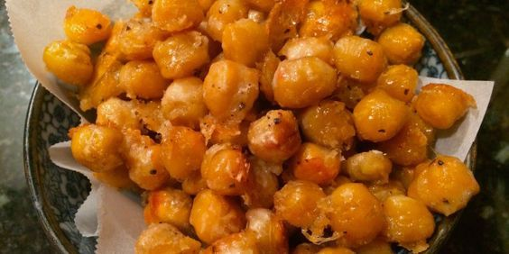 3 Addictive Snacks That Are Actually Good For You//crispy parmesan roasted chickpeas-a snack or nice topping for salad-the Pollan family