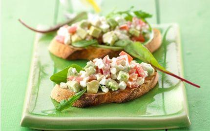 Bruschetta med hytteost og avocado