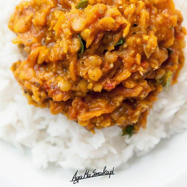 Potrawka z czerwonej soczewicy z ryżem