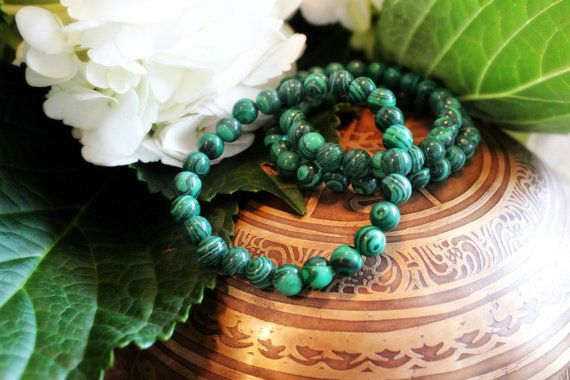 Malachite Bracelet for visualization, clairvoyance and opens the heart to unconditional love. ♥