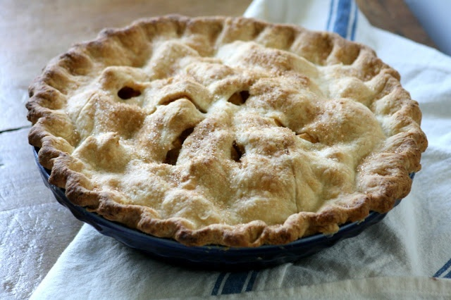 old fashioned apple pie with perfect crust that makes the pie from the pioneer woman