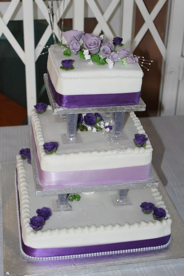 3 tier wedding cake with purple roses 171 best wedding cakes seperate tiers images on 10348