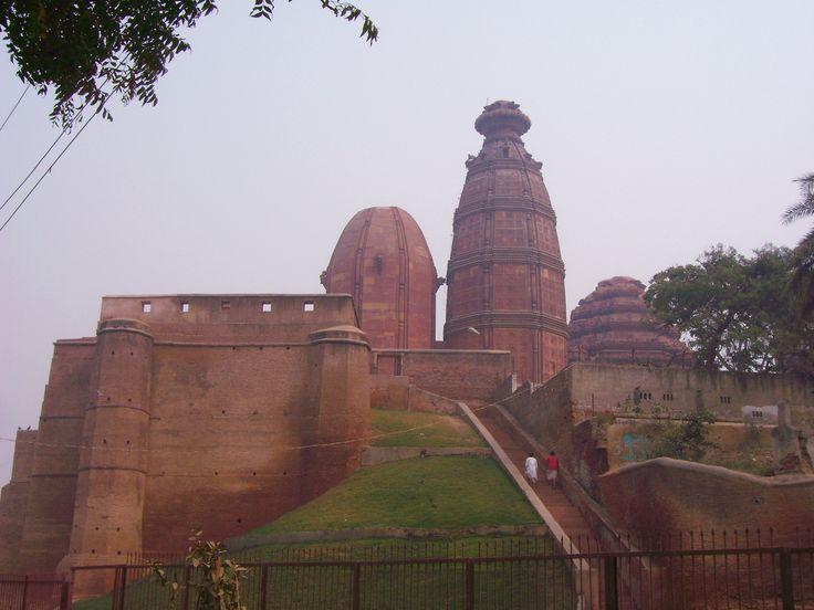 Madanmohan_Mandir_Vrindavan.JPG (2304×1728)