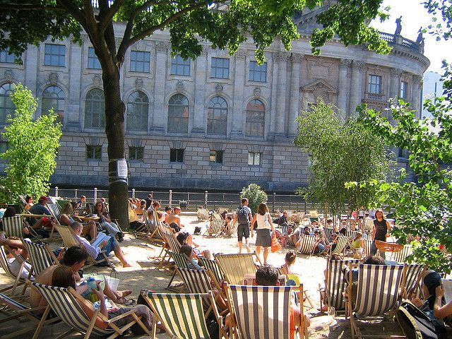 If you are considering a Berlin getaway this spring, here are 9 tips to make the most of the most pleasant season of the year.