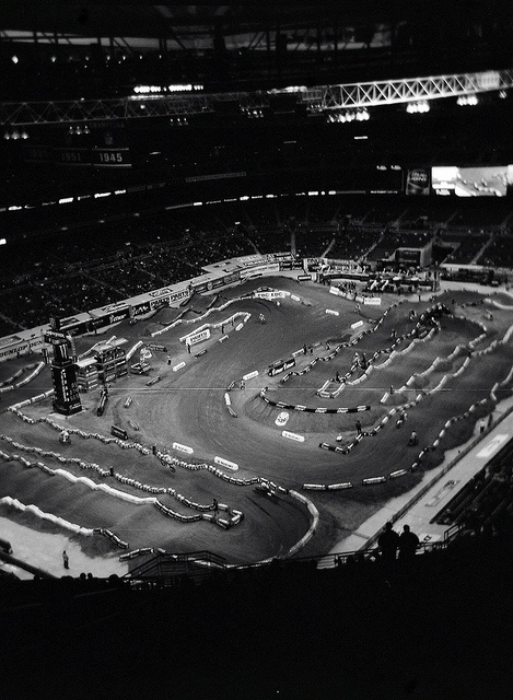 Louis AMSOIL Is The Exclusive Official Oil Of Monster Energy Supercross Series Leader In Powersports From Start Day To