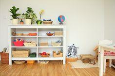 """""""Das Beste was wir für unsere Kinder tun können, ist, ihnen eine wunderschöne Umgebung vorzubereiten, die besten Materialien zur Verfügung stellen und ihnen dann aus dem Weg gehen."""" - Susan Mayclin St"""