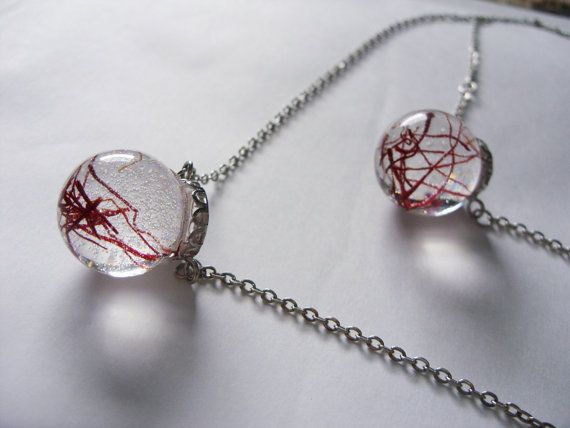 Double chain necklace with real saffron in resin by zusnA on Etsy