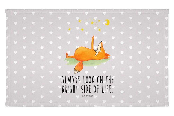 Gäste Handtuch Fuchs Sterne aus Kunstfaser  Natur - Das Original von Mr. & Mrs. Panda.  Das wunderschöne Gästehandtuch von Mr. & Mrs. Panda wird liebevoll von uns bedruckt und hat die Größe 30x50 cm.    Über unser Motiv Fuchs Sterne  Die Fox-Edition ist eine besonders liebevolle Kollektion von Mr. & Mrs. Panda. Jedes Motiv ist - wie immer bei Mr. & Mrs. Panda - handgezeichnet und wird in unserer Manufaktur im Herzen Norddeutschlands produziert. Der Fuchs mit dem Blick in den Sternenhimmel…