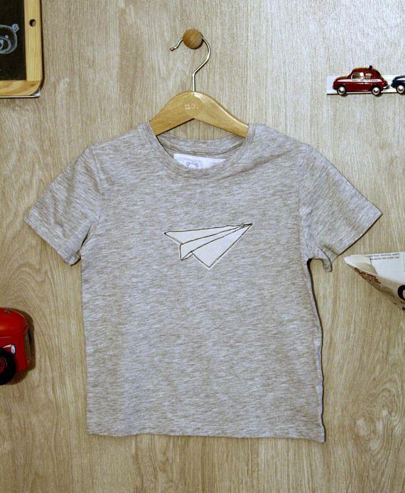 Guarda questo articolo nel mio negozio Etsy https://www.etsy.com/it/listing/530801560/maglietta-bimbo-maniche-corte-grigia-con