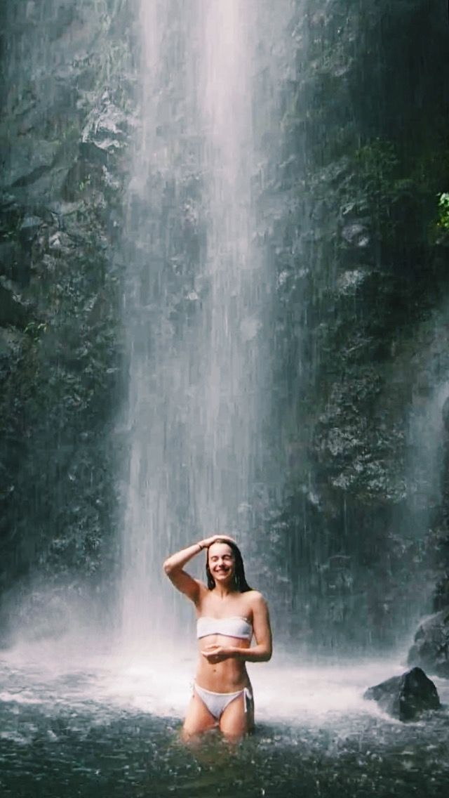 Holly Campbell  #travel #model #hawaii #passport  #airport #oahu #girl #instagram #waterfall #kauai