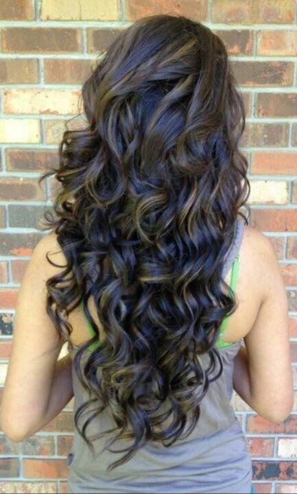 Vista posterior del destacado Largo Negro Rizado Peinado para niñas