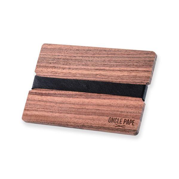 """Le Voyageur by Oncle Pape.  you can't lost your credit-card with """"Le Voyageur"""". Adoptez la tendance Bois.Retrouvez les porte-cartes sur www.onclepape.com #noeudpapillon #madeinfrance #artisanal #accessoire #accessoiremode #accessoirebois #bois #wooden #fashion #design"""