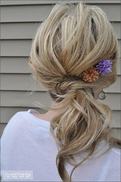 The Small Things Blog: The Knot Ponytail. LOTS of hair tutorials from
