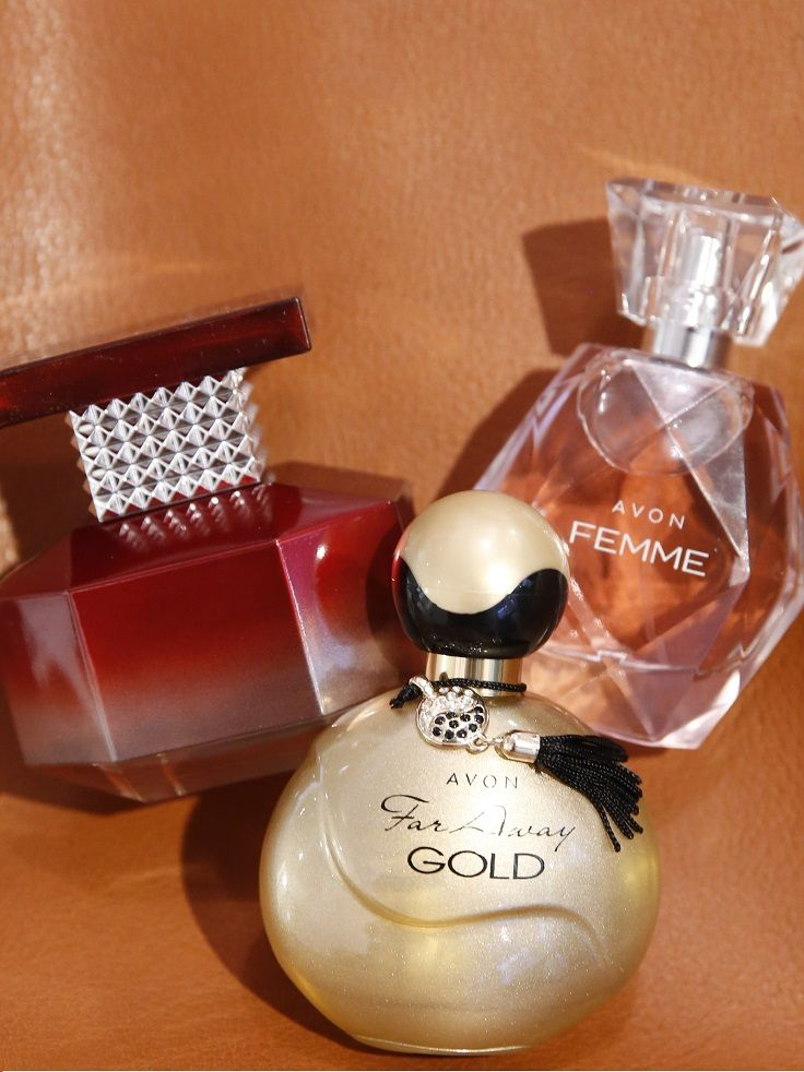 Excited to wear my #Fall perfume! These 3 chic fragrances always get me in the mood for sweater weather: Far Away Gold, Passion & @avon_insider's Femme! #AvonRep