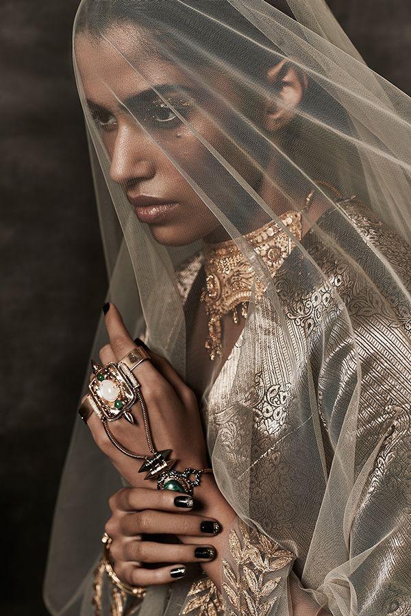 "accras: "" celiabasto: "" 100% ART "" Beauty in gold """