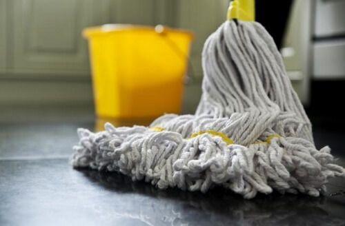 L'acqua ossigenata è un prodotto naturale dai numerosi impieghi, per la casa e l'igiene personale