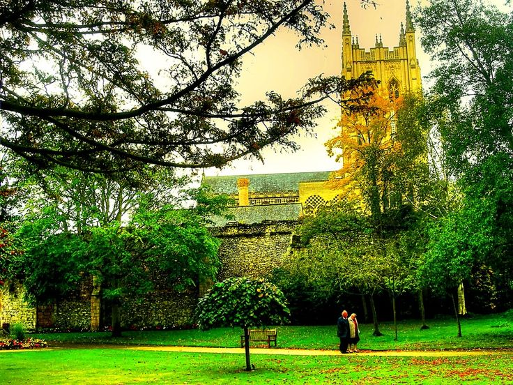Bury St.Edmunds-UK-Walking early in the autumn by Francesco Cetta on 500px