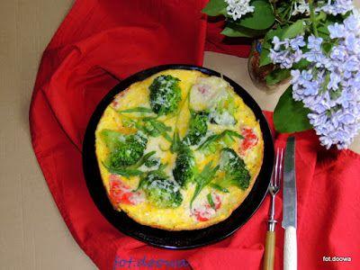 Moje Małe Czarowanie: Omlet z brokułami i estragonem
