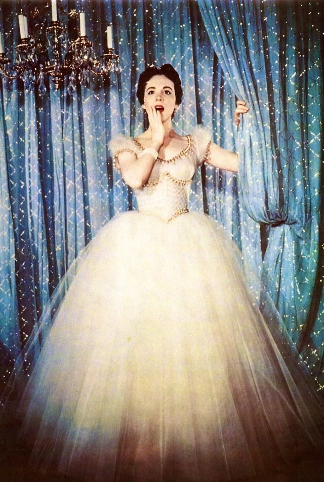 Julie Andrews in Cinderella . This is amazing and I'm glad they didn't just do a remake of the Disney dress