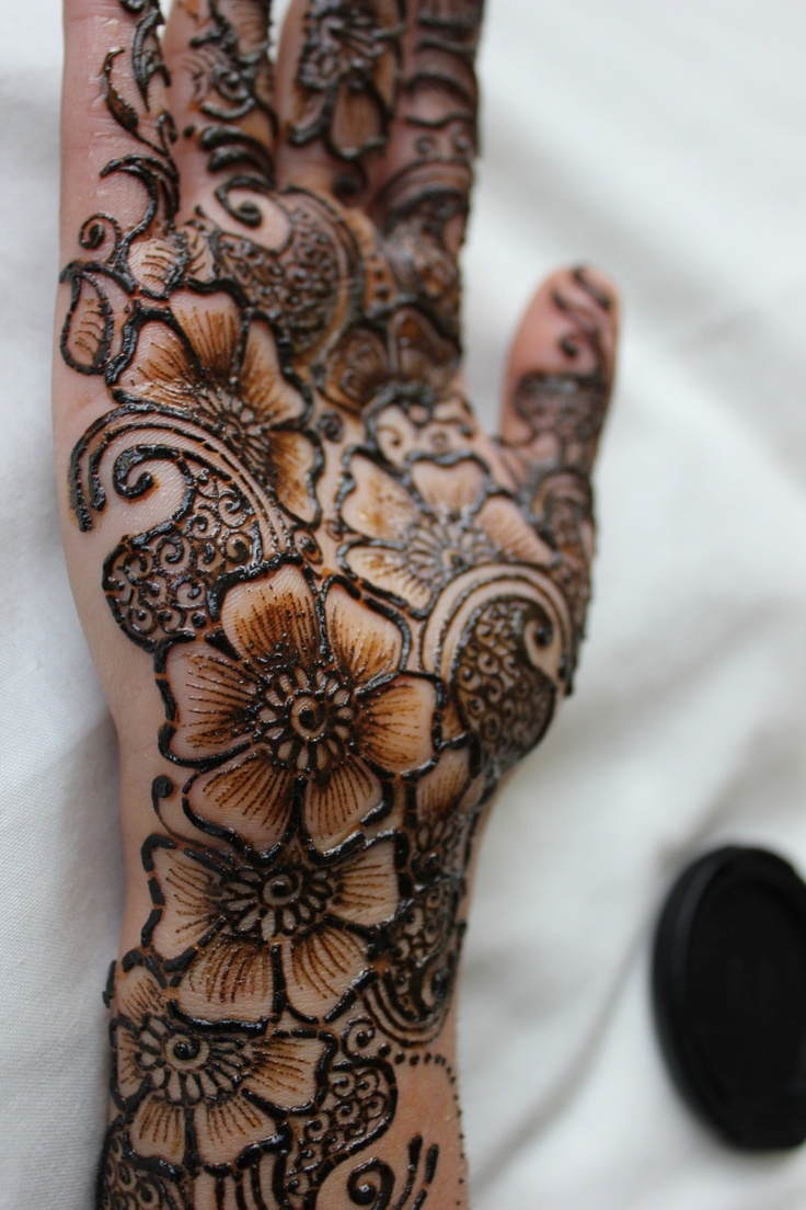 #henna #tattoo #hand #beautiful