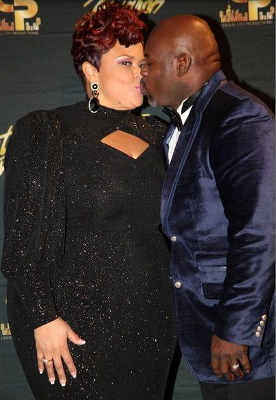 Have You Notice Tamela Mann And David Mann Kissing?   2013 28th Annual Stellar Awards