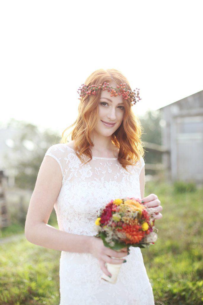 Heiraten Im Herbst Fall In Love Brautfrisuren Mit Blumenkranz