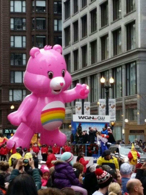 Chicago thanksgiving parade Cheer Bare care bear rainbow