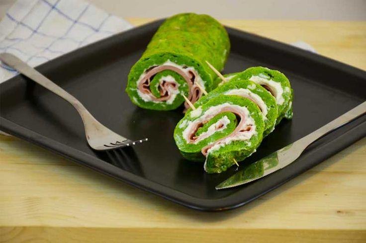 Il rotolo spinaci, mortadella e ricotta è un antipasto veloce e sfizioso da servire in ogni occasione. Si tratta di un piatto freddo ed è quindi l'ideale per l'arrivo della primavera.