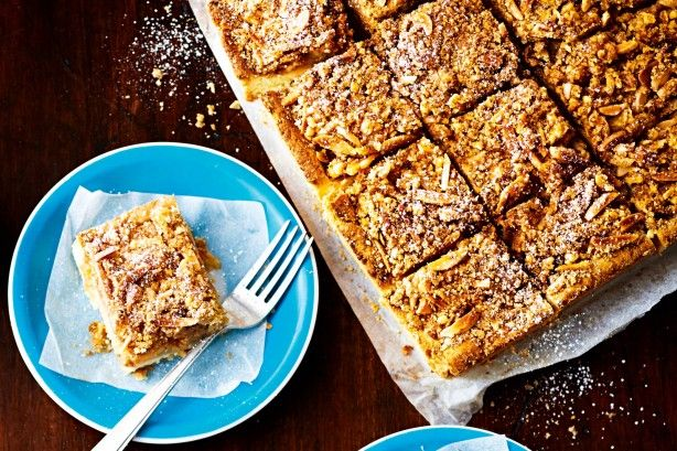 Apple crumble slice - And for our next magic trick, we transform a pie into a slice