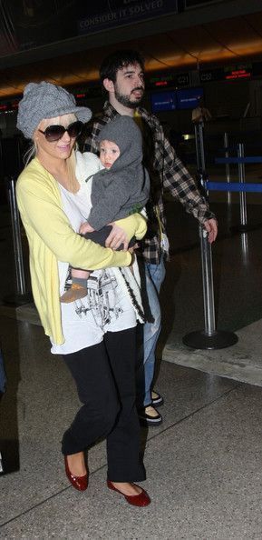 Christina Aguilera Photos - Christina Aguilera with husband Jordan Bratman, and son Max Liron (b. January 12, 2008) depart LAX . - Christina Aguilera and Family at LAX