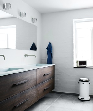 Nordic rustic bathroom vanity. Maybe put a vase with a few colorful flowers in between sinks