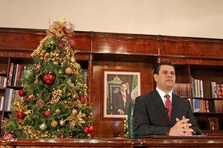 Brinda Ejecutivo estatal mensaje navideño