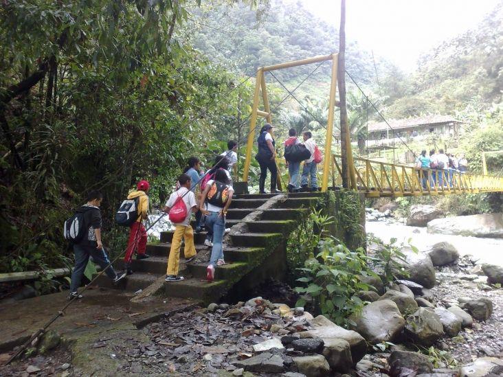 El Ecoparque Río Pance, esta ubicado en el Departamento del Valle del Cauca, Municipio de Cali, en el  kilómetro 12 de la via a la Voragina,  Corregimiento de Pance.  Se encuentra ubicado a una altura de 1.125 - 1.240 msnm, con una extensión de 59.9 hectáreas y  corresponde a una zona de transición o de influencia de dos zonas de vida Bosque Seco tropical y Bosque húmedo premontano. #DeCaliSeHablaBien